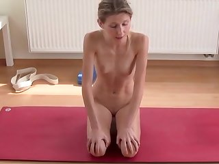 Naked Yoga - Stretching and Mobilization of the Hip Muscles