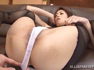 Handsome Japanese wife Maki Hokujo in stockings loves having sex